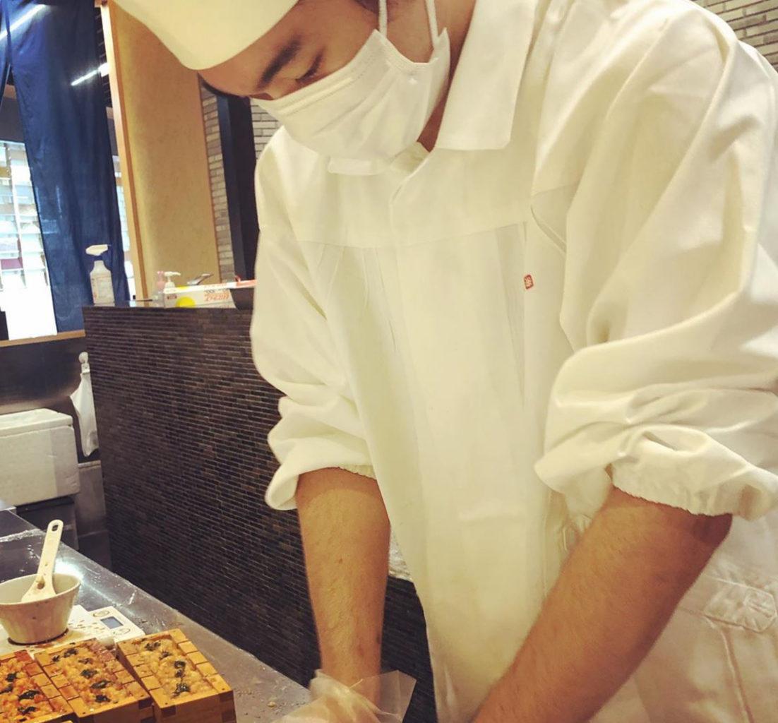 日本橋 天丼 金子半之助ファボーレ店 小矢部店の海老天押し寿司