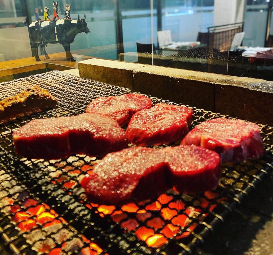肉山富山のランチ