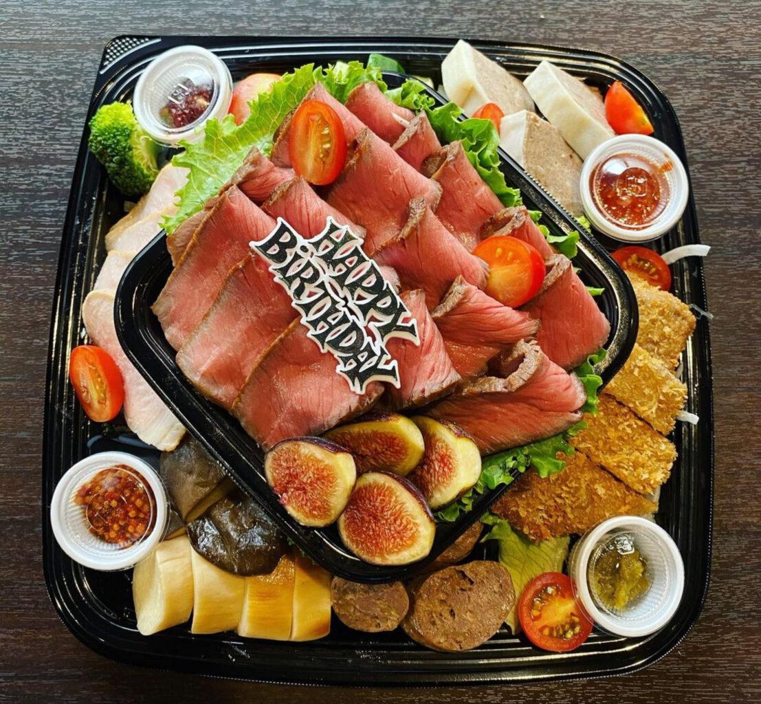 肉山富山の誕生日オードブル